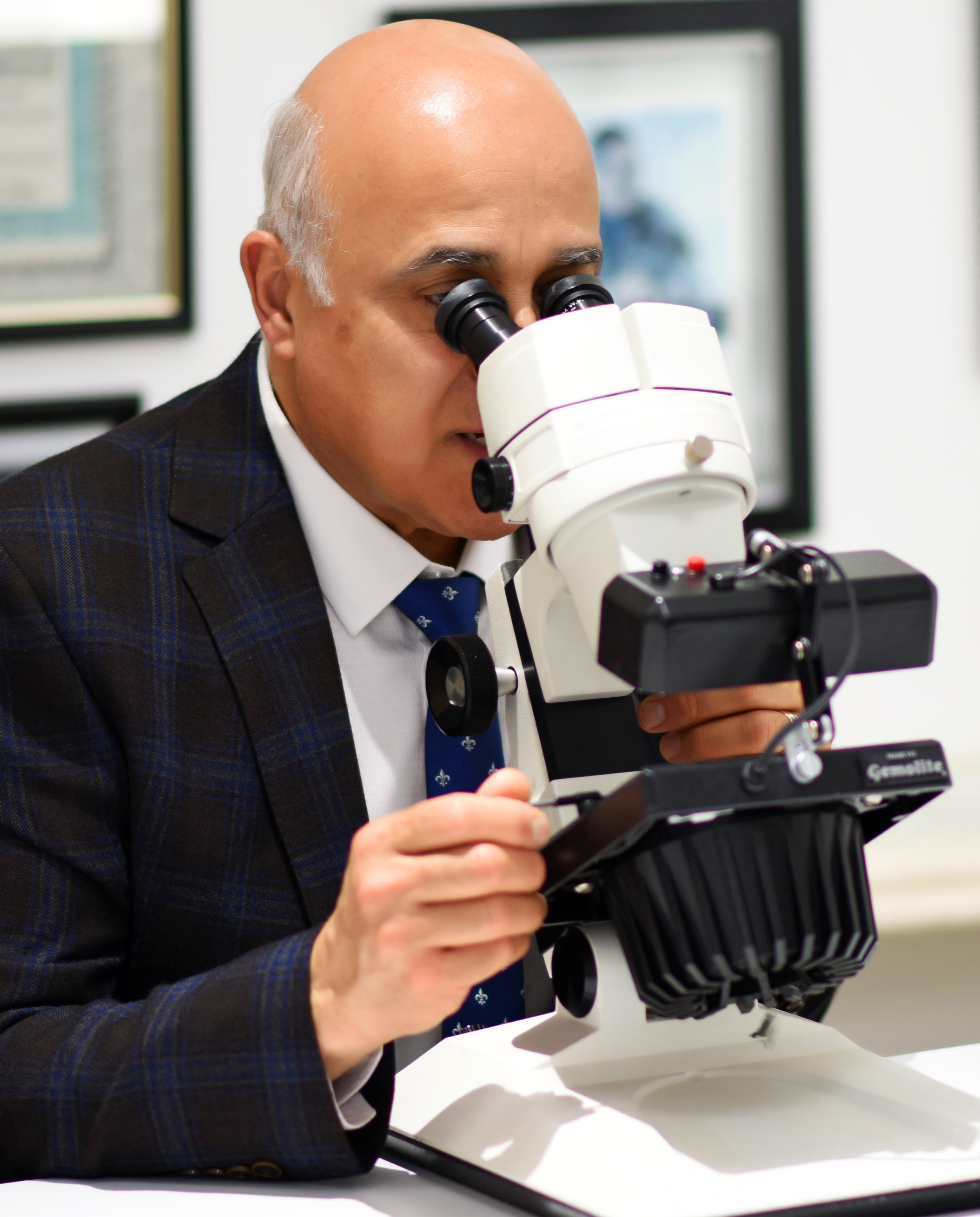 Inspecting jewelry through a microscope